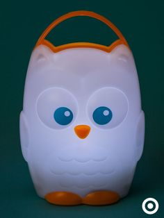Make bedtime easier with the portable (and adorable) Munchkin Light-My-Way night-light. Its one-button control makes it easy to use.