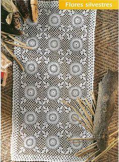 Hooked on crochet: Crochet tablecloth / Toalha de mesa em crochê