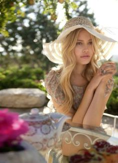 #candigardenparty What to wear? a floppy hat
