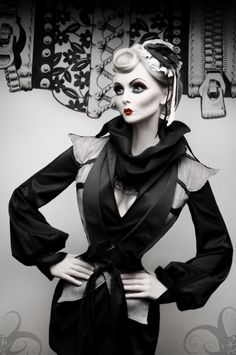 Magie Femelle by Silent View (Silent Order) - Fashion Photography - Dolls - Marionettes - Puppets - Halloween concept ideas