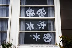 How to make a paper snowflake (And everyone can make one for the windows!)