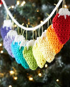 Free crochet pattern: Sugar'n Cream - Holiday Lights Garland. Crochet lights that will never burn out on you or break from the dog's happily-wagging tail!