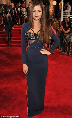 Best Dressed @ 2013 MTV Video Music Awards #VMAs - Selena Gomez in an Atelier Versace gown