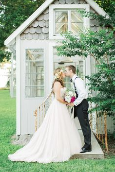 greenhouse wedding inspiration, photo by Jackie Ray Photography http://ruffledblog.com/texas-backyard-wedding-ideas #weddingideas #weddingshoot