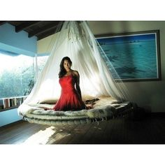 Floating Bed...I want one!!!
