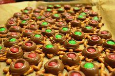 rolo pretzel, sweet, easiest holiday, food, holidays, recip, pretzels, treat, holiday desserts