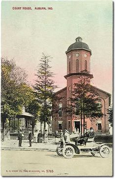 Dekalb County Court House, Auburn, Indiana    Car photo