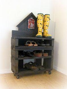 DIY Pallet Shoe Rack