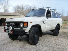 1987 Toyota Land Cruiser FJ60. Beautiful.