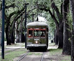 St. Charles Avenue Streetcar, New Orleans