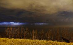 Lake Erie, Ohio thunderstorm. I miss thunderstorms :(   by RetroRed, via Flickr
