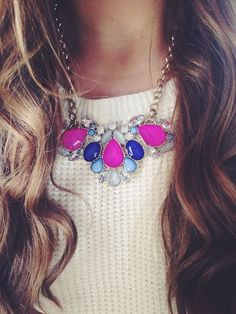 sweater + statement necklace fashion, statement necklaces, accessori, knit sweaters, summer colors, statement jewelry, bib necklaces, hair, chunky necklaces