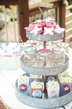 Love this cake stand too!