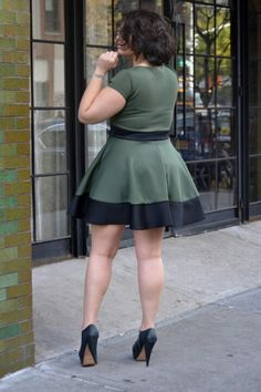 Rocking short dresses Big beautiful real women with curves accept your body plus size body conscientiousness fashion
