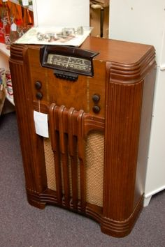 Oh the radio show stories this old radio could tell! #Vintage 1930's Philco #Radio - Working - Comes w/ Extra Tubes  Antiques ar Gresham Lake #Raleigh #NC greshamantiques.com