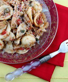 Slow Cooker Mediterranean Chicken Ragù
