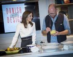Crown Princess Mary prepares lemon meringue together with Michelin Star chef, Paul Cunningham.