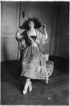 Women's fashions: quilted silk on chiffon - gold thread, ca 1914