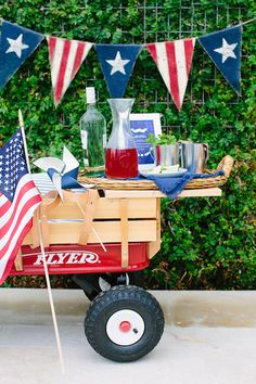 Patriotic Pool Party | Photography by Wynn Myers for Camille Styles