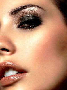 #beauty #makeup #cosmetics #lips #lipstick #red #eyes #eyeshadow