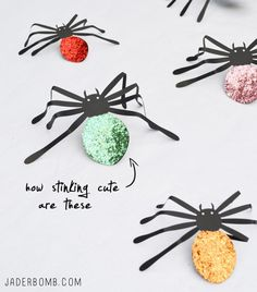 DIY glitter spiders - these are sparklingly fun for Halloween!