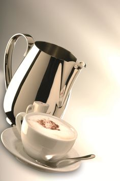 .. even the beloved #Italian #cappuccino deserves our attention ..