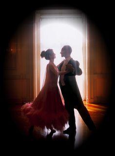 Google Image Result for http://donjacobsballroomdance.com/Ballroom-pgs/images/HeatherBlrmVingMedRes.jpg
