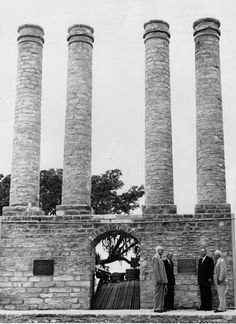 Independence Columns
