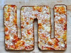 This is genius: All-edge Sicilian Pan Pizza (Detroit-style). Now I need to acquire an all-edge brownie pan...