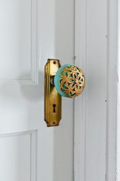 """We've put a different knob on each door.  We think it gives each room a special touch as you enter."" LOVE this idea!"