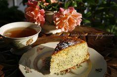Dolce inglese al limone e semi di papavero lemon drizzle cake