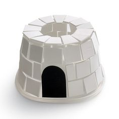 Plastic container igloo