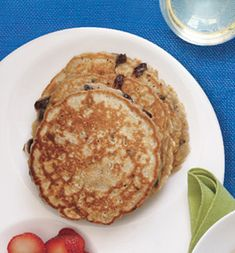 healthy cinnamon chocolate chip pancakes