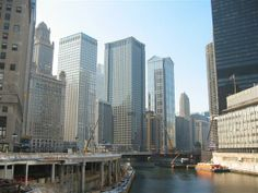 For an amazing view, go on the Architectural Boat Tour! – The BHLDN Chicago team