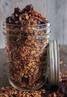 Dark Chocolate Cherry Granola with Crunchy Quinoa #vegan #glutenfree