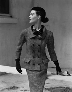 Vogue 1952 - Balenci...