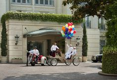"""Go on a """"Seven Wheel #Family Adventure"""" and experience a unique scavenger-hunt to explore #BeverlyHills. #fun #LA #activities #PenAcademy"""