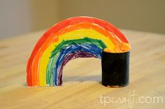 TPcraft.com: St. Patrick's Day Rainbow and Pot of Gold Toilet Paper Roll Craft