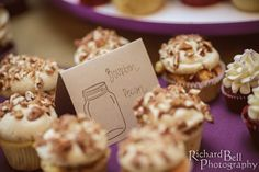 Bourbon pecan pie wedding cupcakes from Cupcake DownSouth - oh yes, please | photo credit Richard Bell Photography #weddingcupcakes #columbiaweddings
