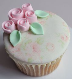 Rose bud cupcake | Flickr: Intercambio de fotos