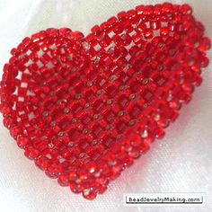Free Beaded Valentine Heart Patterns featured in Bead-Patterns.com Newsletter! pattern, heart basket, basket project