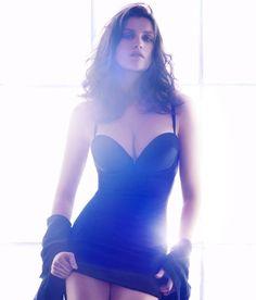 Laetitia Casta brilla como nunca en la nueva campaña de ropa interior de H ¡Arriba el glitter power!