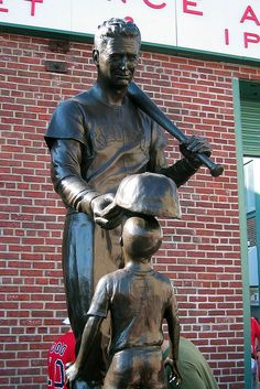 Fenway Park: Ted Williams Jimmy Fund Statue