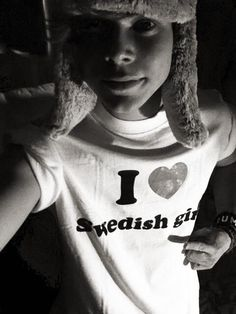 Too bad it doesn't say American girls...<< I am going to meet him and I am going to give him a shirt that say's I <3 American girls!!