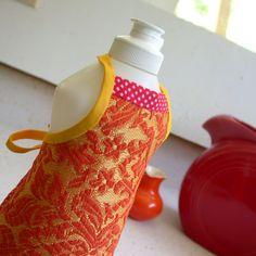 Dishsoap apron favors.
