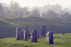 favorit place, england, stonehenge, sacr site, stone circl, wonderful places, stones, aveburi stone, crop circles