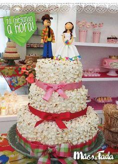 Pop corn cake - Bolo com cobertura de pipoca   https://www.facebook.com/docemaosdefada  #bolo #cake #popcorn #pipoca #saojoao #recife #decoracao #festa #festajunina
