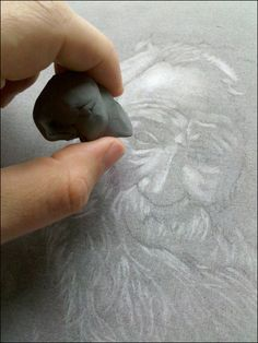 How to draw a charcoal portrait from start to finish - the easy way by Ronnie Tucker