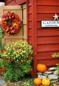 barn doors, art prints, sheds, fall autumn, fall decorations, simpl decor, 20 simpl, autumn wreaths, garden