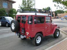 Red FJ40